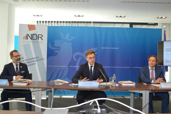 Lors d'une conférence de presse le 7 octobre 2020, le ministre de l'Économie, Franz Fayot, le directeur de l'UEL et de l'INDR, Jean-Paul Olinger, et le secrétaire général de l'INDR, Norman Fisch, ont présenté l'édition revue et enrichie du Guide ESR – ENTREPRISE RESPONSABLE de l'INDR